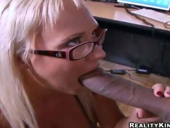 Weenie hungry golden-haired secretary Carly Parker with stunning milk cans and sexy glasses acquires on knees and gives head to Justin Long with enormous cock in hot office act at lunch break