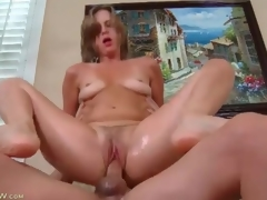 Milf love tunnel is soaking wet as she rides his pecker