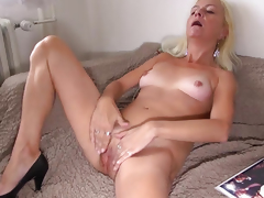 OldNanny Old lady licking fur pie of a gorgeous cutie