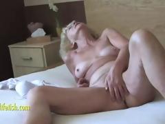 Granny Eva masturbation coupled with fingering puristic pussy