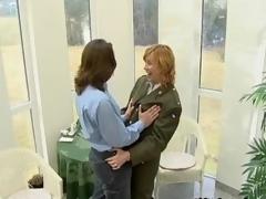 Horny mature slut goes crazy sucking segment